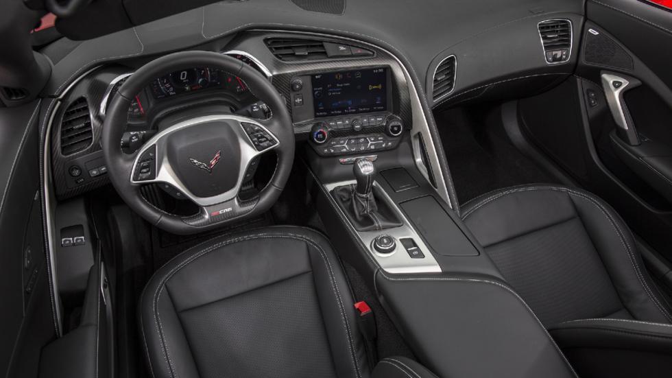 Chevrolet-Corvette-Z06-2015-interior