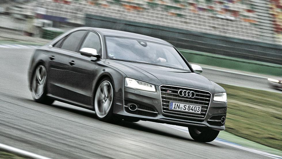 Audi S8 (520 CV): Oficial: 9,6l. Test: 13l. Desviación: 35,42%