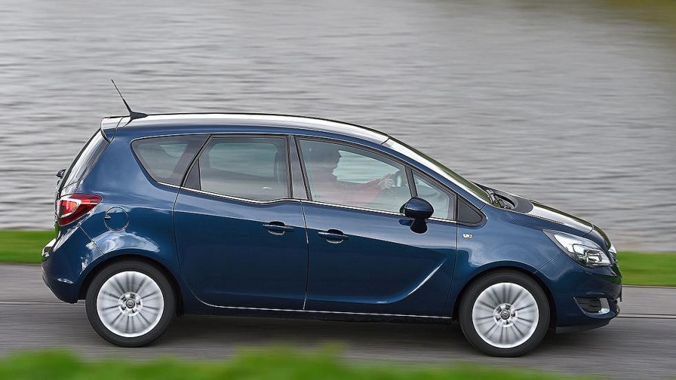 Opel Meriva 1.6 CDTI ecoflex Start/Stop (110 CV): Oficial: 4l. Test: 5,7l. Desvi