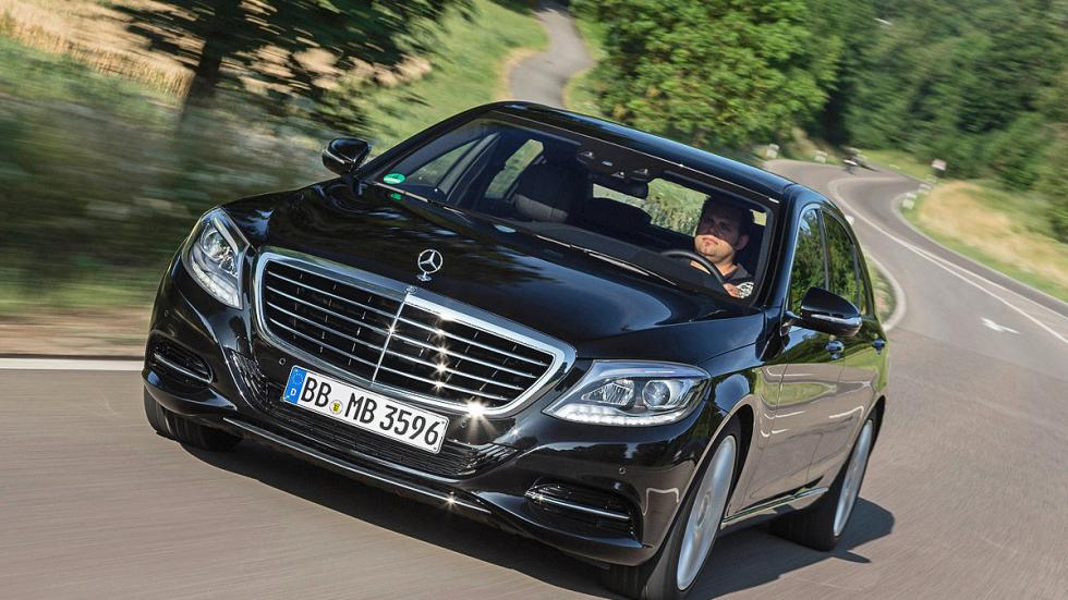 Mercedes S 500 PLUG-IN HYBRID L 7G-TRONIC (333 CV): Oficial: 2,8l. Test: 8,6l. D