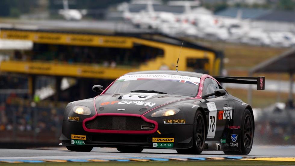 Subasta millonaria en Silverstone - 2010-Aston-Martin-Vantage-GT2-Chassis-007