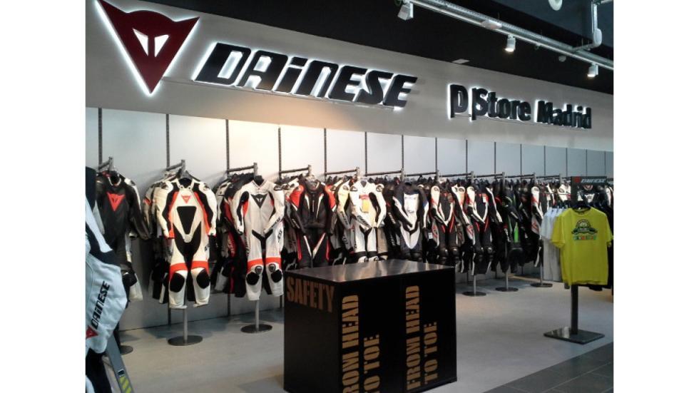 D-store-monos