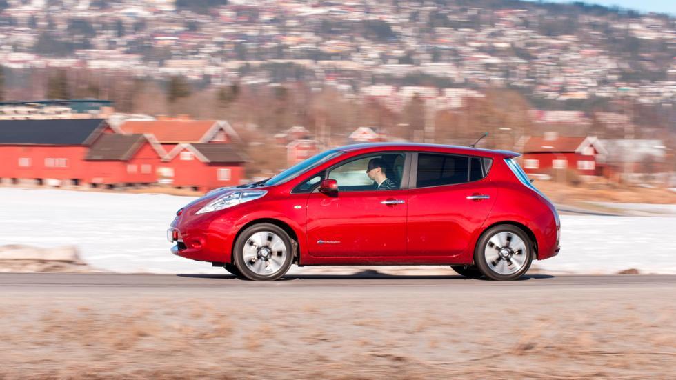 Acuerdo entre Nissan y Endesa - Nissan Leaf Rojo