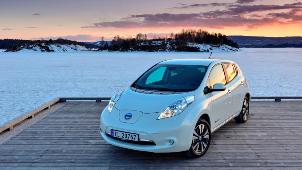 Acuerdo entre Nissan y Endesa - Nissan Leaf Blanco