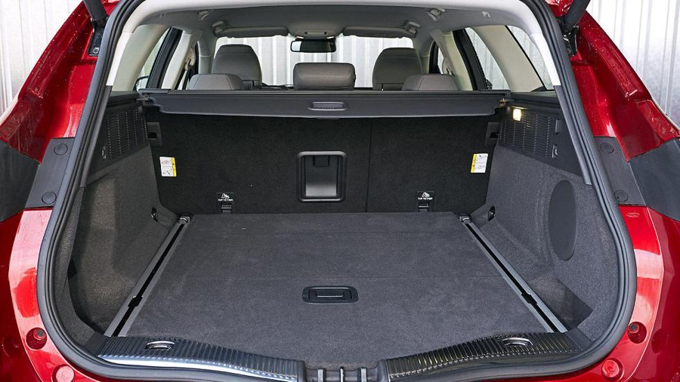Ford Mondeo interior maletero