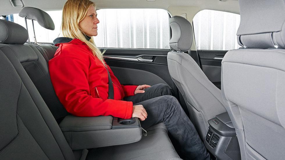 Ford Mondeo interior traseras
