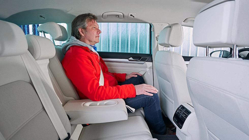 VW Passat interior traseras