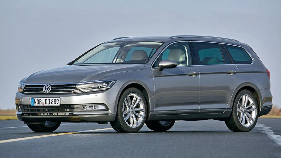 VW Passat tres cuartos
