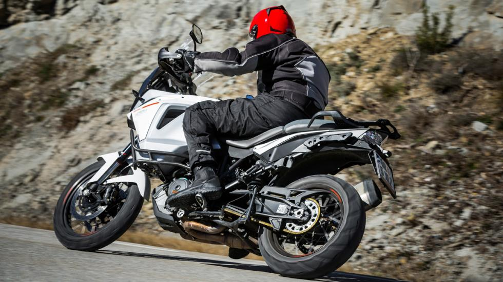 Prueba-KTM-1290-Super-Adventure-lateral