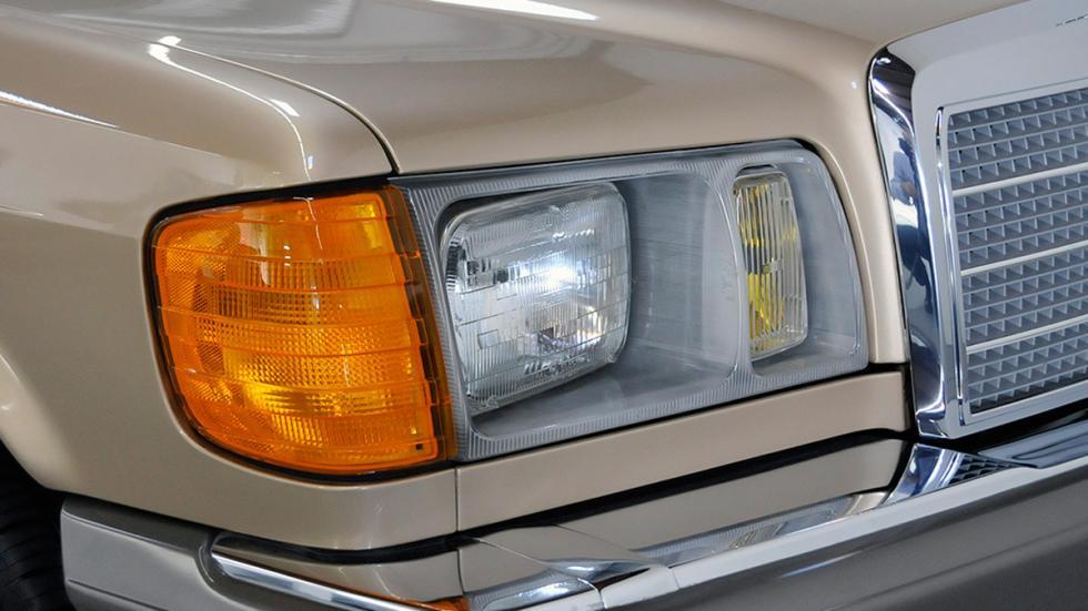 Mercedes 300SD 1982 faro delantero