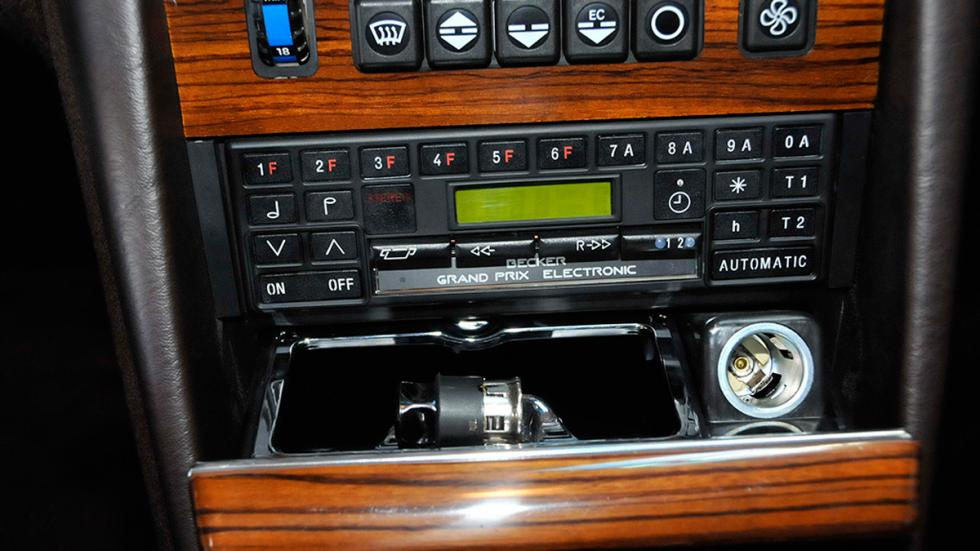 Mercedes 300SD 1982 radio