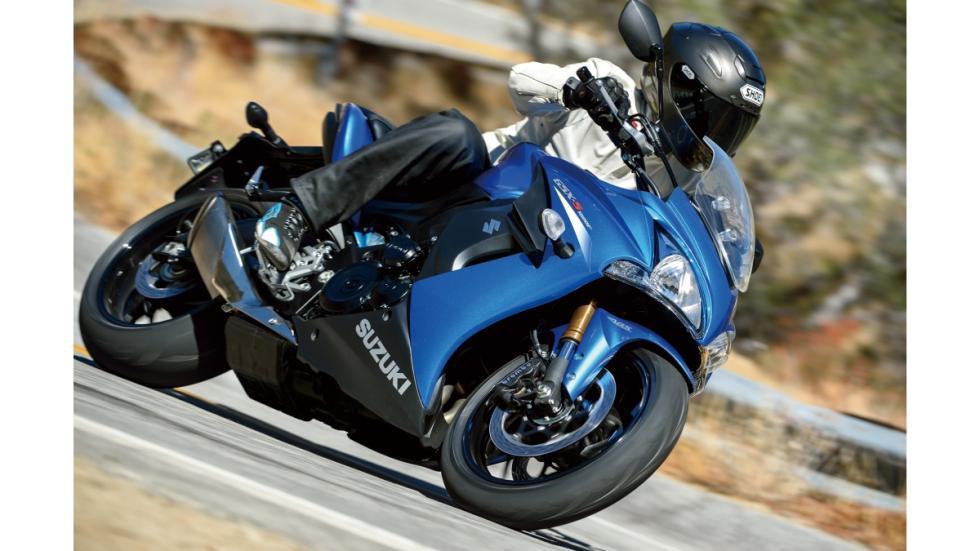 nueva-Suzuki-GSX-S1000F-deportiva