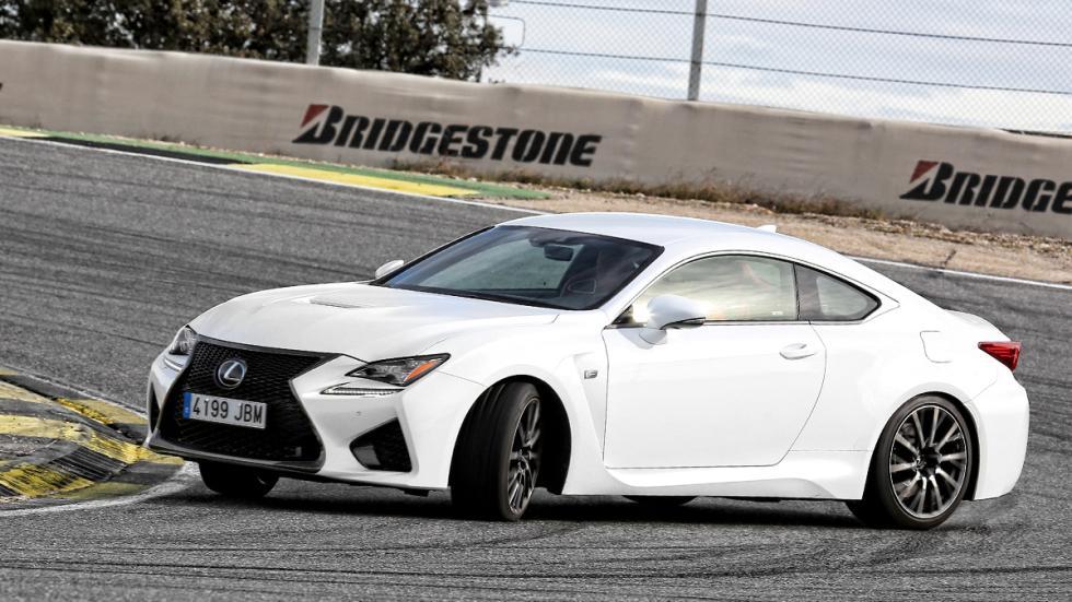 Lexus-RC-F-tres-cuartos-izquierda