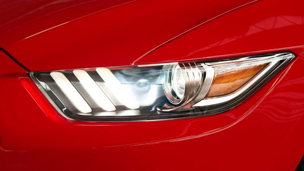 Ford Mustang 2015 Europa faro delantero