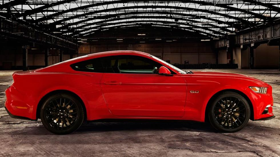 Ford Mustang 2015 Europa perfil