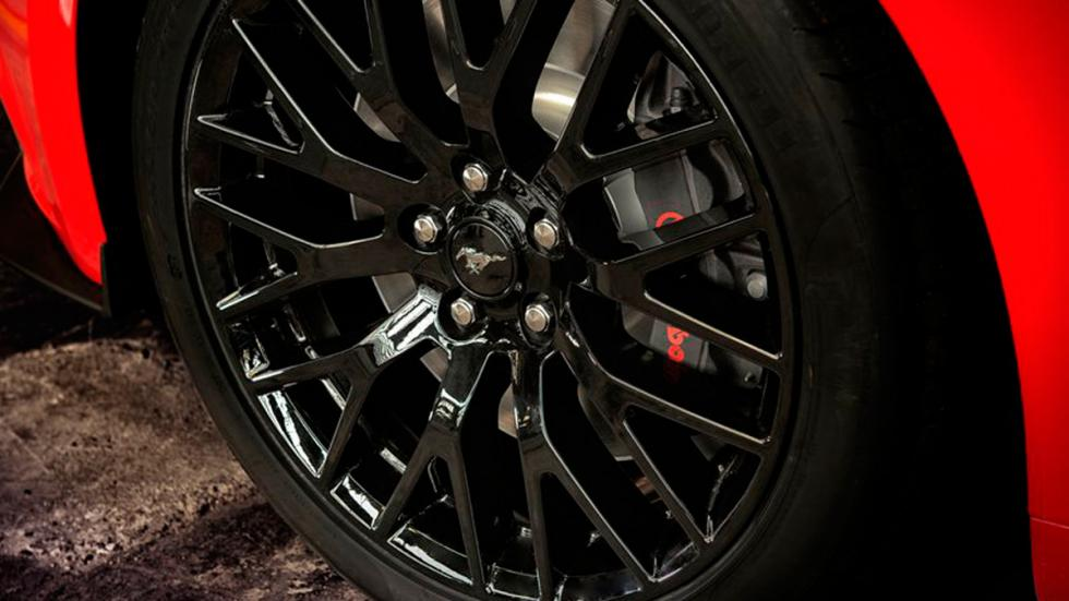 Ford Mustang 2015 Europa rueda