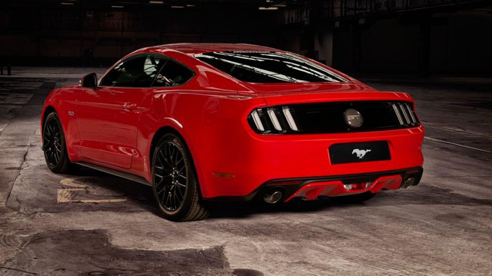 Ford Mustang 2015 Europa tres cuartos traseros