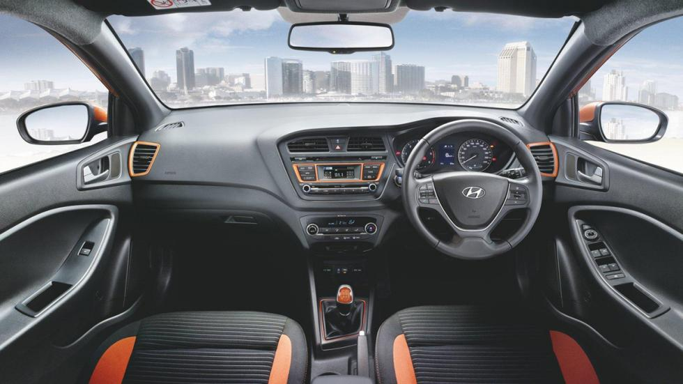 Hyundai-i20-Active-interior