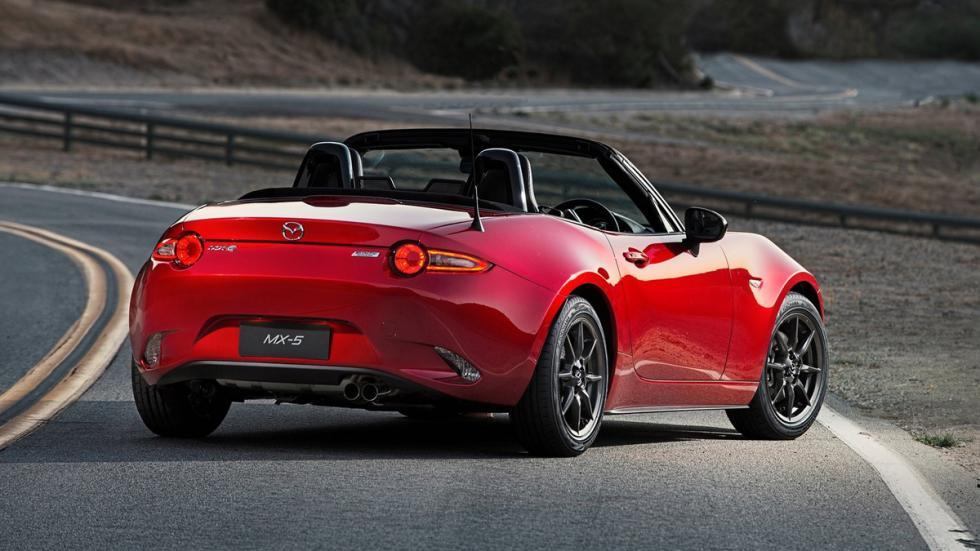 coches-solterones-empedernidos-Mazda-MX5-zaga
