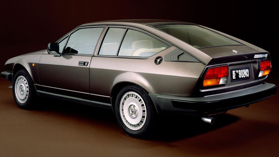 Alfa Romeo GTV6 trasera