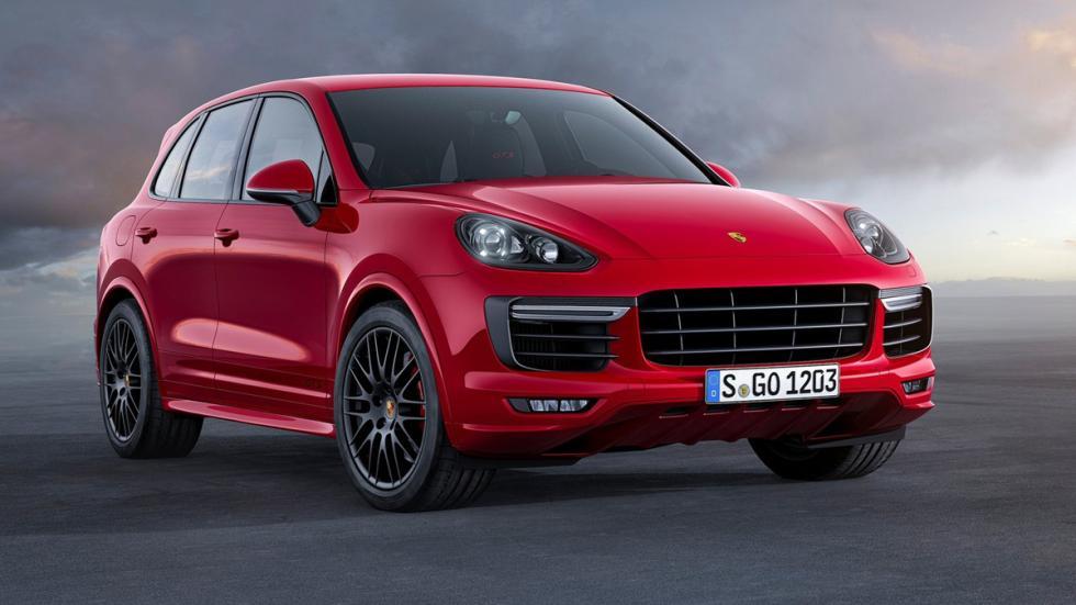 coches-no-querrias-ver-retrovisor-Porsche-Cayenne-GTS