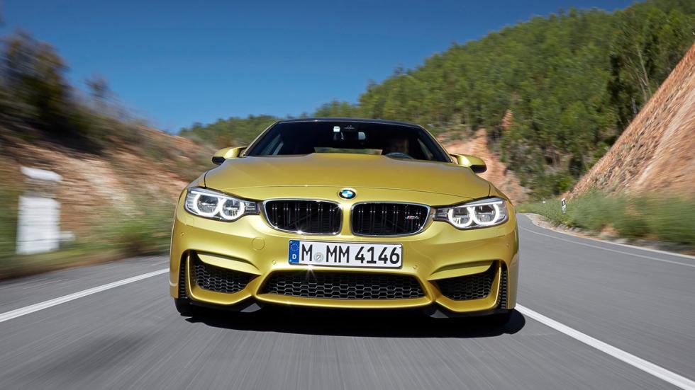 coches-no-querrias-ver-retrovisor-BMW-M4-Coupé