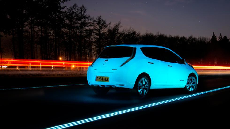Nissan Leaf fluorescente - trasera
