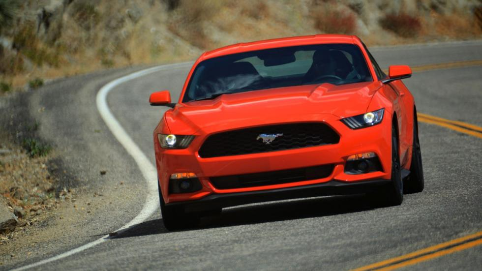 coches-americanos-eclipsaron-europa-Ford-Mustang