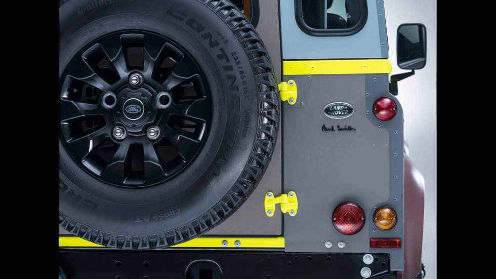 Land Rover Defender de Paul Smith - firma