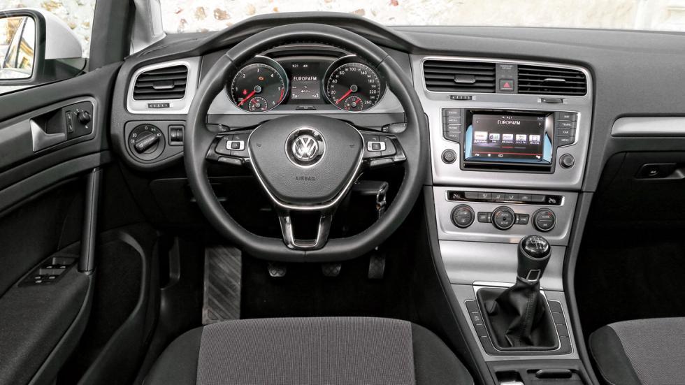 Volkswagen Golf salpicadero