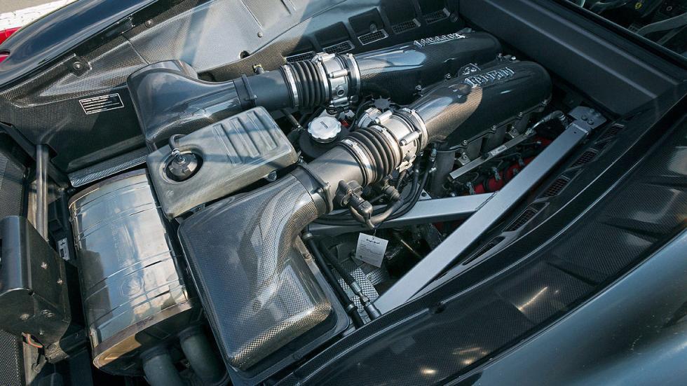 Ferrari 430 Scuderia dinámica motor