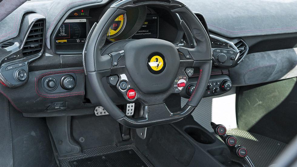 Ferrari 458 Speciale volante