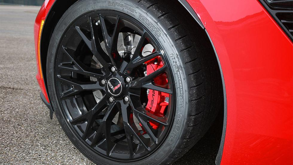 Prueba: Chevrolet Corvette Z06 en circuito lateral llanta