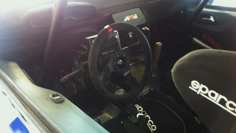 Peugeot-208-Rally-Cup-Interior