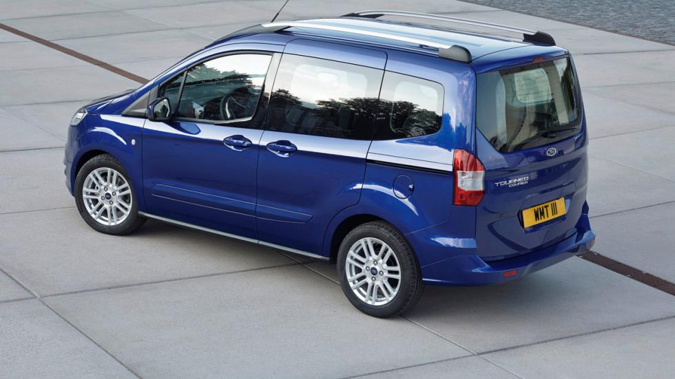 Ford Courier trasera
