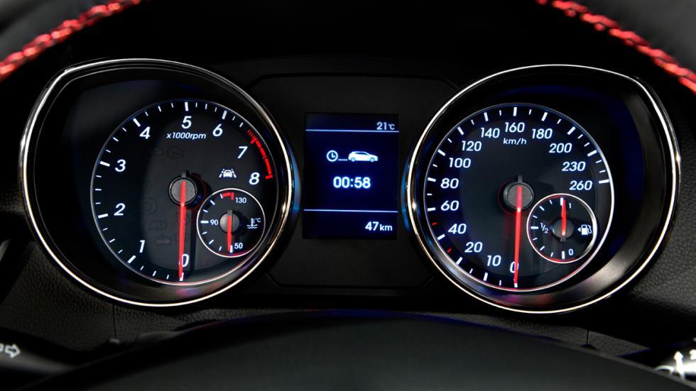 Hyundai i30 Turbo - velocímetro