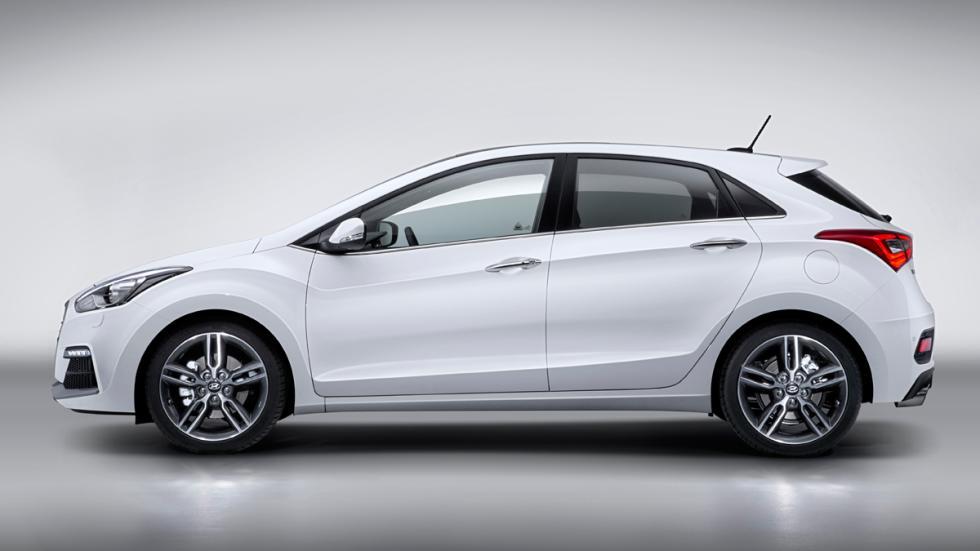 Hyundai i30 Turbo - cinco puertas - lateral