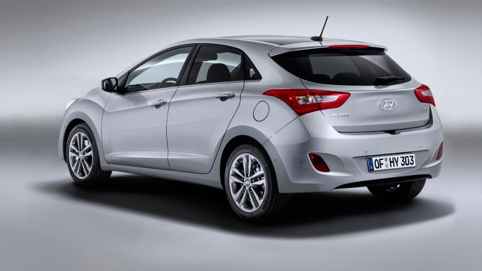 Hyundai i30 2015 - trasera