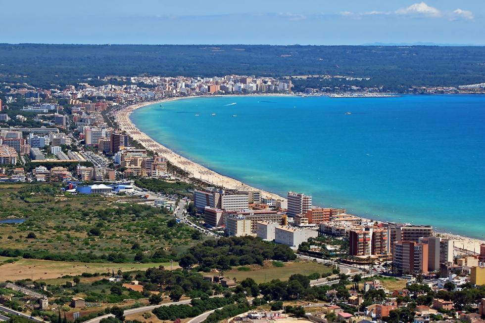 Vistas de las playas de Palma de Mallorca.