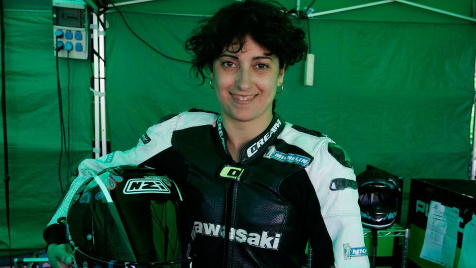 Elena Rossell vuelve a la competición motociclista