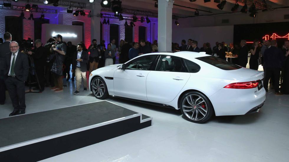 Fiesta en Nueva York para presentar en nuevo Jaguar XF