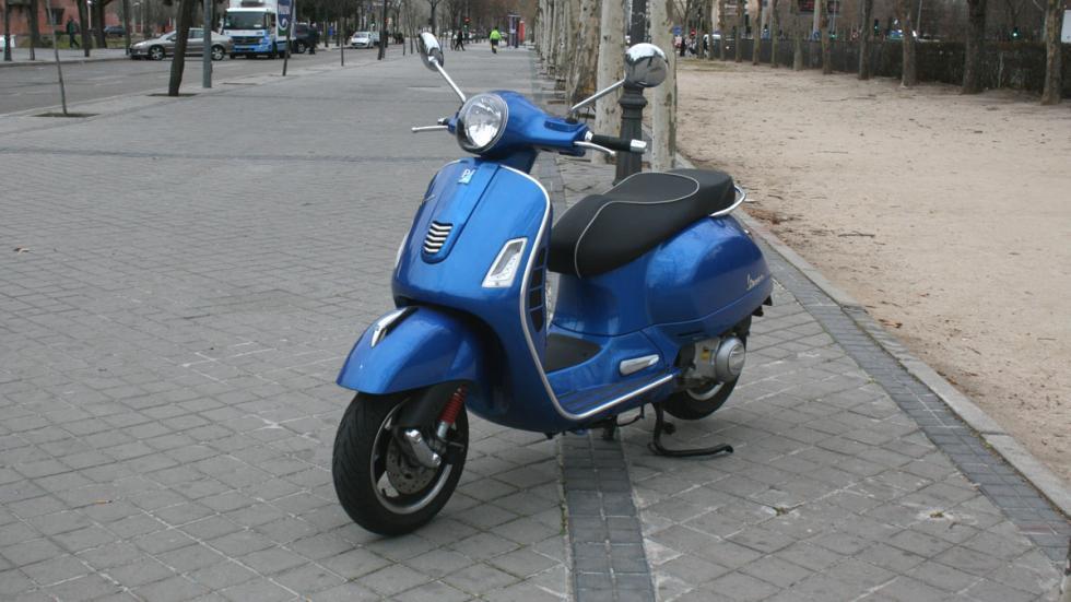 Vespa-GTS-300-ie-Sport-frenos-ABS-ASR
