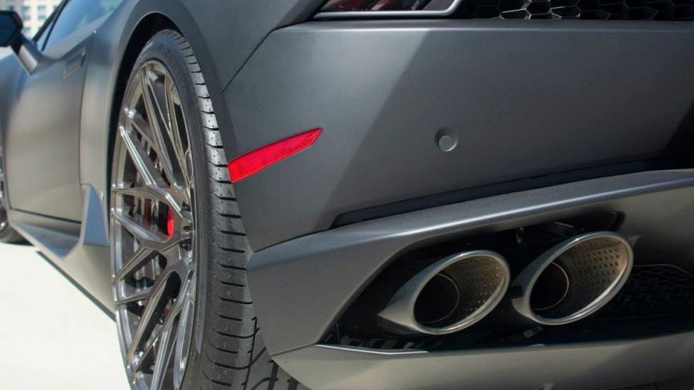 Lamborghini Huracan de GMG Racing salida de escape