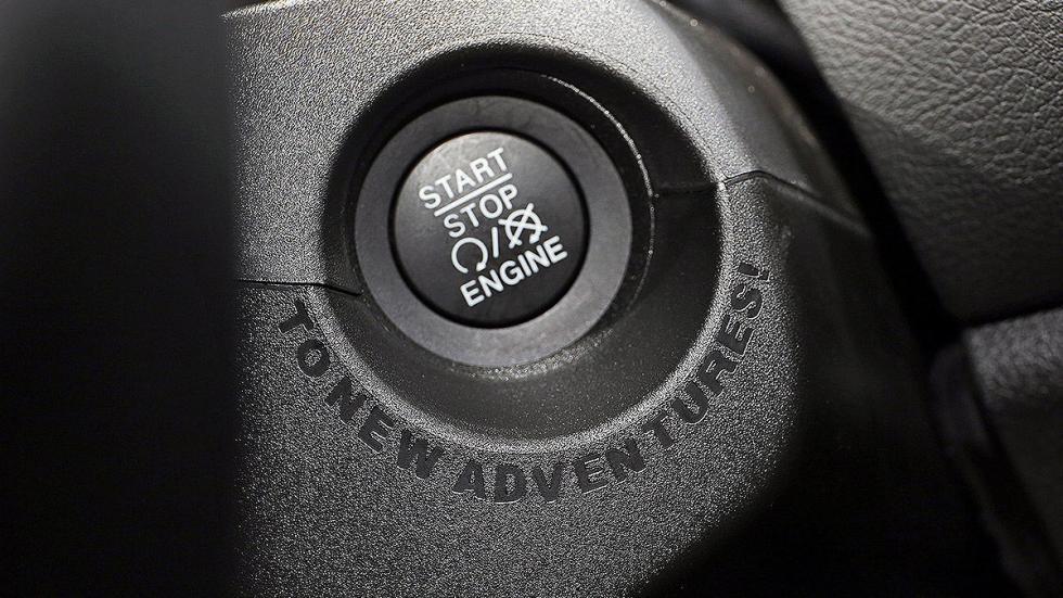 Detalle diseño Renegade coche llave