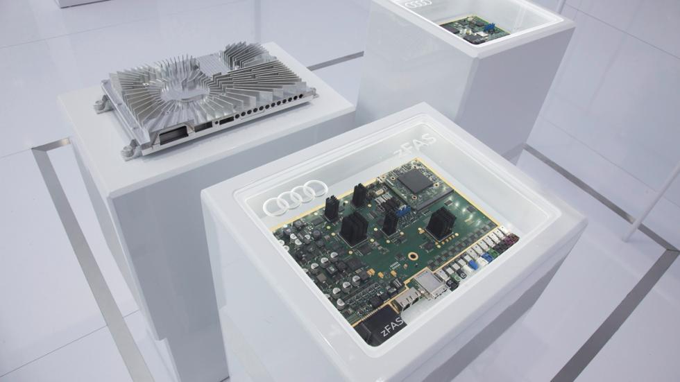 Unidad de control para los sistemas de conducción pilotada de Audi 3