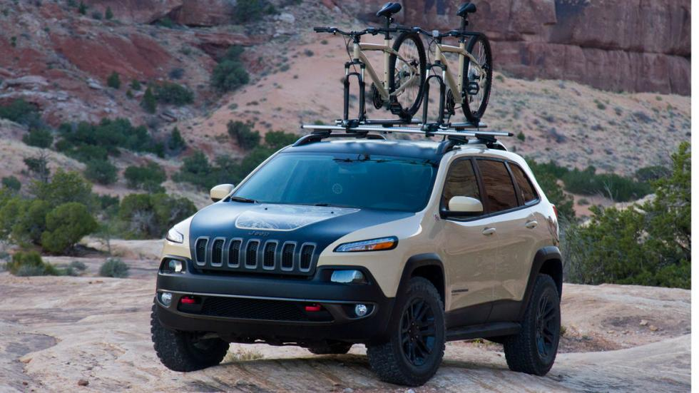 Jeep Cherokee Canyon Trail tres cuartos