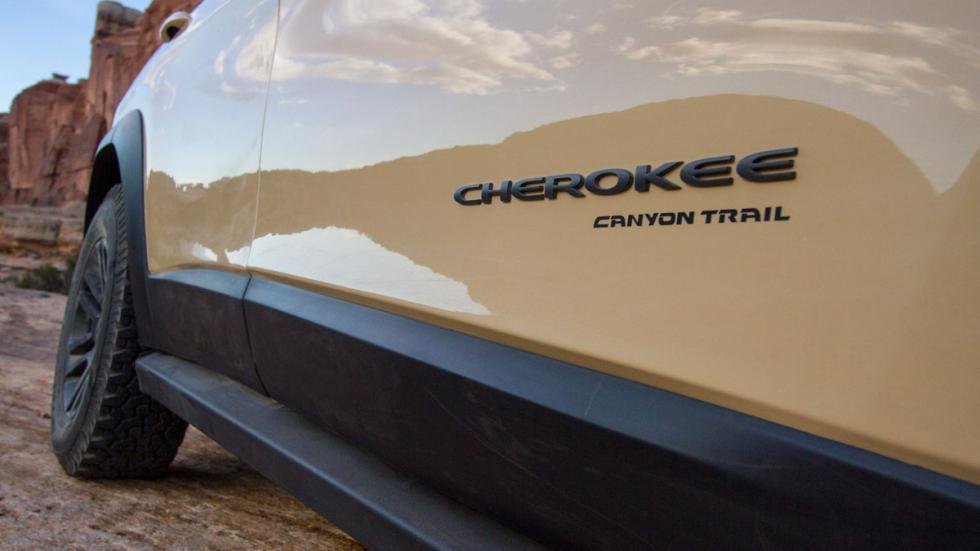 Jeep Cherokee Canyon Trail detalle 2