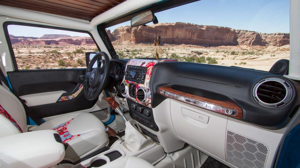 Jeep Chief interior