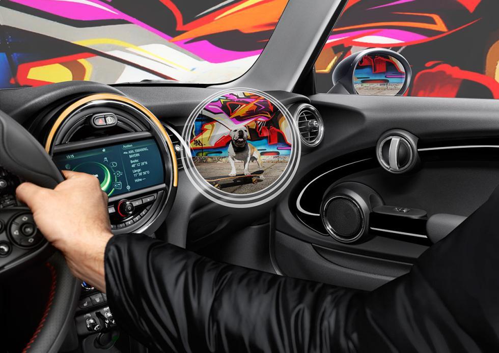 Al volante con las gafas Mini Augmented Vision