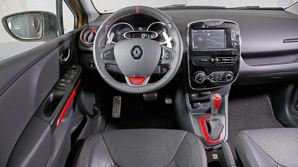 Renault Clio RS interior